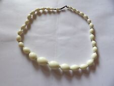 VINTAGE CREAM URANIUM GLASS GRADUATING BEAD NECKLACE CLUBBING / RAVE G503-18