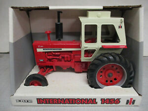 (1996) International Harvester Model 1456 Toy Tractor, 1/16 Scale, NIB