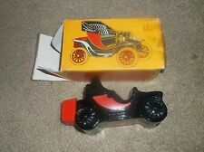 VINTAGE AVON ELECTRIC CHARGER CAR DECANTER LEATHER AFTER SHAVE