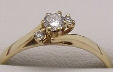 SOLID 18CT YELLOW GOLD NATURAL DIAMOND ENGAGEMENT/DRESS RING - VALUE $1542