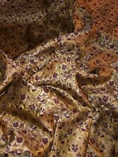 Ginko Fantasy 1 mètres or sur violet 100/% coton Andover Fabrics 2682P