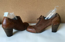 Women's shoes MOMA Italy, brown, vintage, suede leather, laces, medium heel