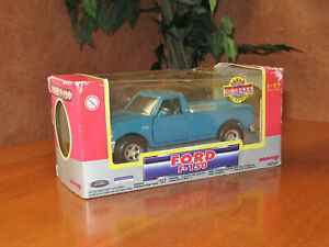 Ford F-150 Metallic Green Truck Super Friction 4X4 1996 New Ray Toy 44723 1:32