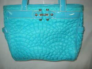 VERA BRADLEY Nylon Bistro Medium shoulder purse Turquoise 8.5 x 10 x 4 GUC