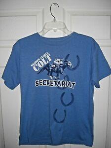 """Size Large SECRETARIAT - """"Meadow Stable Colt"""" Blue T-Shirt - MINT"""