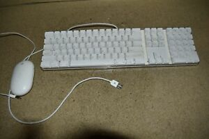 ^^ APPLE A1048 WIRED KEYBOARD & A1152 MOUSE SET - TESTED (PF33)