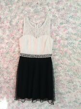 JUNIOR GIRL'S SIZE 9 BLACK W/WHITE LACE BY SPEECHLESS   EUC