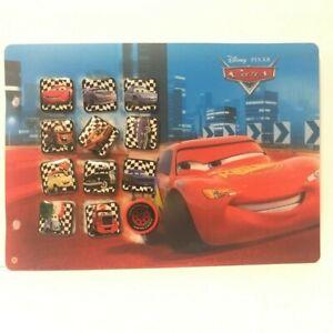 Lot de 12 Pin' s Disney avec planche - CARS