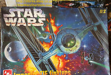 Star wars tie fighter x 2 & death star modèle amt boxed * nouveau * obsolète 1997!
