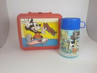 VINTAGE 1979 WALT DISNEY MAGIC KINGDOM THERMOS & Mickey Lunchbox