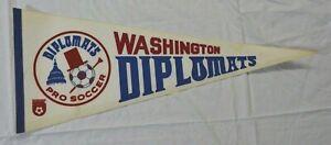 Vintage soccer Washington Diplomats 1974-75 full-size white NASL felt pennant
