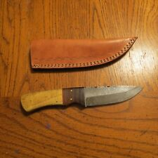 Damascus skinning knife w/two tone wood handle & leather sheath hand made