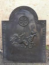 Grande plaque de cheminée en Fonte décor Putti sur Char Ailé