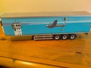 "CORGI-FRIDGE TRAILER ""FRESHLINC"" (RAF LIVERY)1:50"