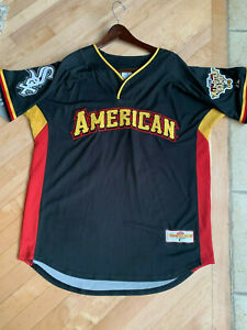 2006 MLB ALL STAR GAME SIGNED OZZIE GUILLEN  JERSEY MINT CONDITION