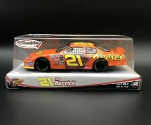 2004 Kevin Harvick #21 Reeses Racing 1/24 NASCAR Chevy Diecast Winners Circle