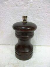 Moulin à poivre cylindrique bois  MARLUX