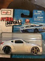 1:43 KYOSHO NISSAN 370Z FAIRLADY NISMO WHITE RHD DIECAST CARS DEALER BOX