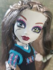 Monster High Frankie Stein School's Out Puppe MH