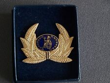 Britannia Airways 1990's Manhattan Windsor Pilots Cap Badge In Presentation Box