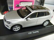 1/43 roadster 07416 VW Touareg plata