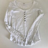 Women's Free People top White Sz XS Long Sleeves Flower Cut Out On Sleeves