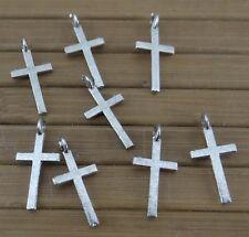 Lot de 25 breloques pendentifs croix en métal argenté vieilli -bc208