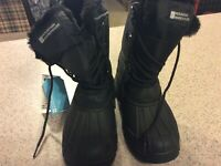Moutain Warehouse Boys Whistler Snow Boots Size 2 Black Winter Waterproof NWOT