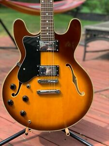 Left Handed Jay Turser JT-133 Semi-Hollow Jazz Box Electric Guitar