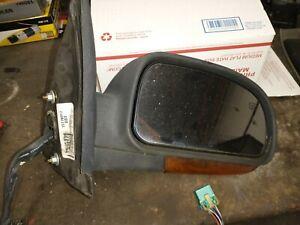 2002-2009 chevy trailblazer gmc envoy right mirror with turn signal 15178917
