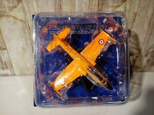 Modellino Aereo Aermacchi MB 326 Scuola Volo Basico Militare 1/100 Nuovo