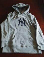 New York Yankees Women's Logo Hoodie