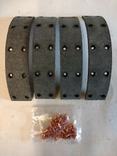 VAUXHALL VICTOR F SERIES 1957 - 1960 NEW FRONT/REAR BRAKE LININGS WITH RIVETS
