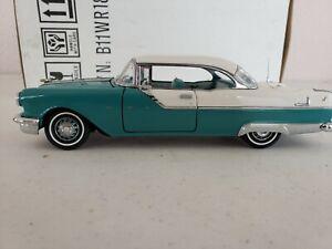 Franklin Mint 1955 Pontiac Starchief 1/24 Diecast