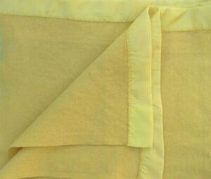 """Vintage Twin Wool Blanket w Satin Trim Pretty Sunny Yellow 70"""" x 86"""" USA"""