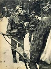 WWII Photo German Soldiers with Rifles Mauser K98k  WW2 B&W World War Two / 2228