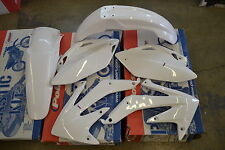 RACE TECH  WHITE PLASTIC KIT HONDA CRF450 CRF450R 2005 2006 SHROUDS  FENDERS
