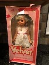 NEVER PLAYED WITH!!! 1981 IDEAL CRISSY'S COUSIN VELVET DOLL STILL IN ORIG WRAP!!