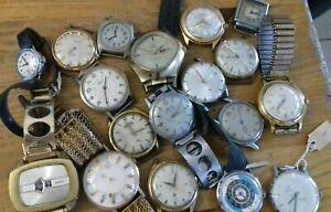Fond d horloger Montre mécaniques anciennes pour pieces ou a restaurer