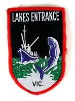Vintage LAKE ENTRANCE Australia Travel Souvenir Sew On Woven Embroidered Patch