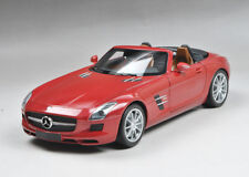 Minichamps Diecast Mercedes-Benz SLS AMG Roadster Red metallic 2011 1/18