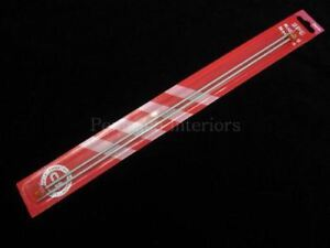 2 x Metal knitting needles - Size 3mm x 35cm long