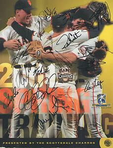 *2001 San Francisco Giants* Team Signed Official Magazine S2 COA GFA
