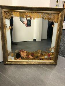 """Wandspiegel von Gustav Klimt """"Der Kuß"""" 60 x 60 cm"""