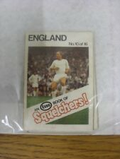 1970/1971 Esso: Squelchers - 10 England, An Esso Mini-Book 16 Issued In Complete
