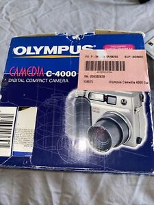 Olympus Camedia C-4000 Zoom Digital Camera 4.0 Megapixel