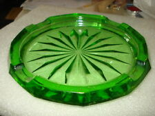 "VINTAGE GREEN EMERALD DEPRESSION GLASS ASHTRAY ROUND 7"""