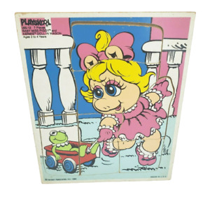 VINTAGE 1985 PLAYSKOOL BABY MISS PIGGY & KERMIE DOLL IN WAGON PUZZLE KERMIT FROG