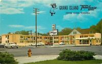 Grand Island Nebraska~Grand Island TraveLodge Motel~Nice 1950-60s Cars