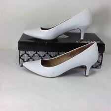 RSVP Enchant Low Pump Heels White Patent PU Sz 8.5 EUC!